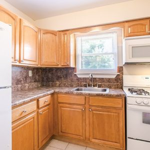 Woodmere Apartments kitchen